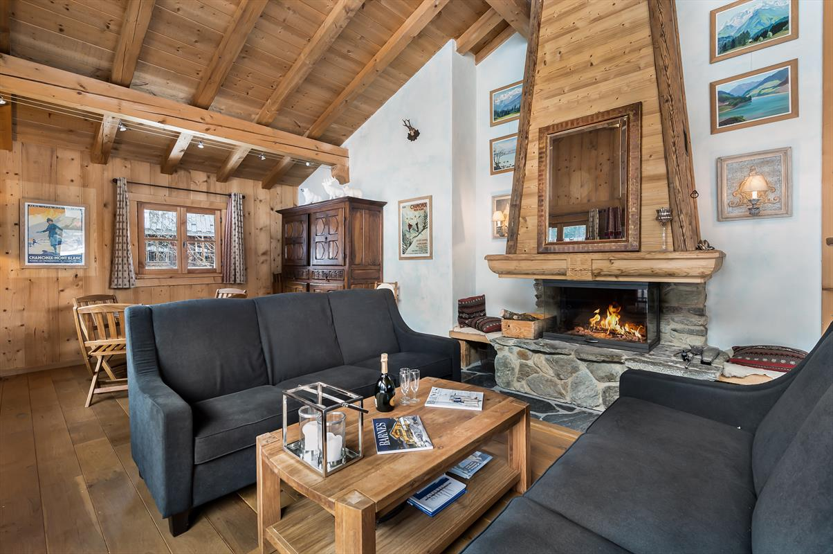 See details CHAMONIX MONT-BLANC Villa 6 rooms, 5 bedrooms